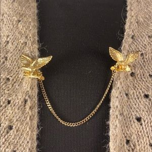 Sweater clip eagles gold tone vintage cottagecore